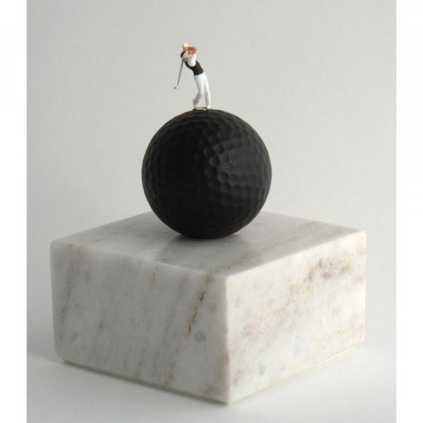 dublisGolf White Marble Black Golf Skulptur